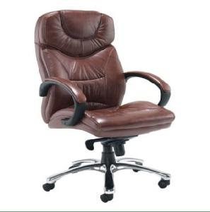 Matrix 130 Leatherite Revolving Chair