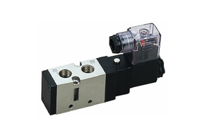 Techno 1/4 Inch 5/2 Way 220v Ac Single Solenoid Valve S7000