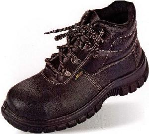 31d025c35f7cd6 Buy Metro (Aura) Blend High Ankle 7 No. Black Steel Toe Safety shoes ...