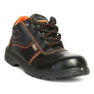 8320e3202dd26d Buy Hillson Beston 8 No High Ankle Black Safety Shoes Online in India at Best  Prices
